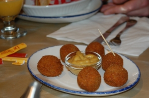 Bitterbollen (fried savoury meat-paste balls) at De Dutch